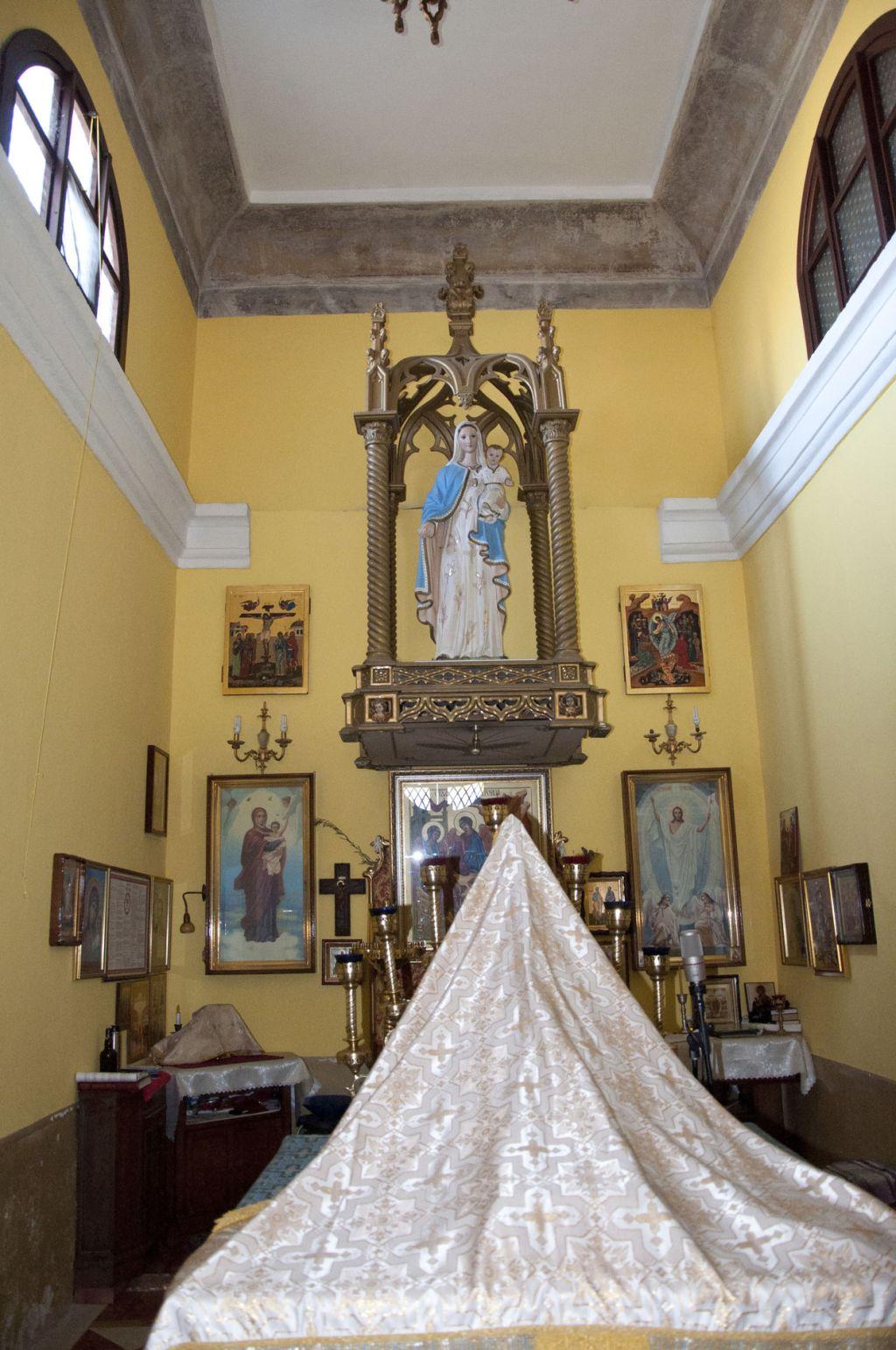 spazio-restrostante-altare-principale