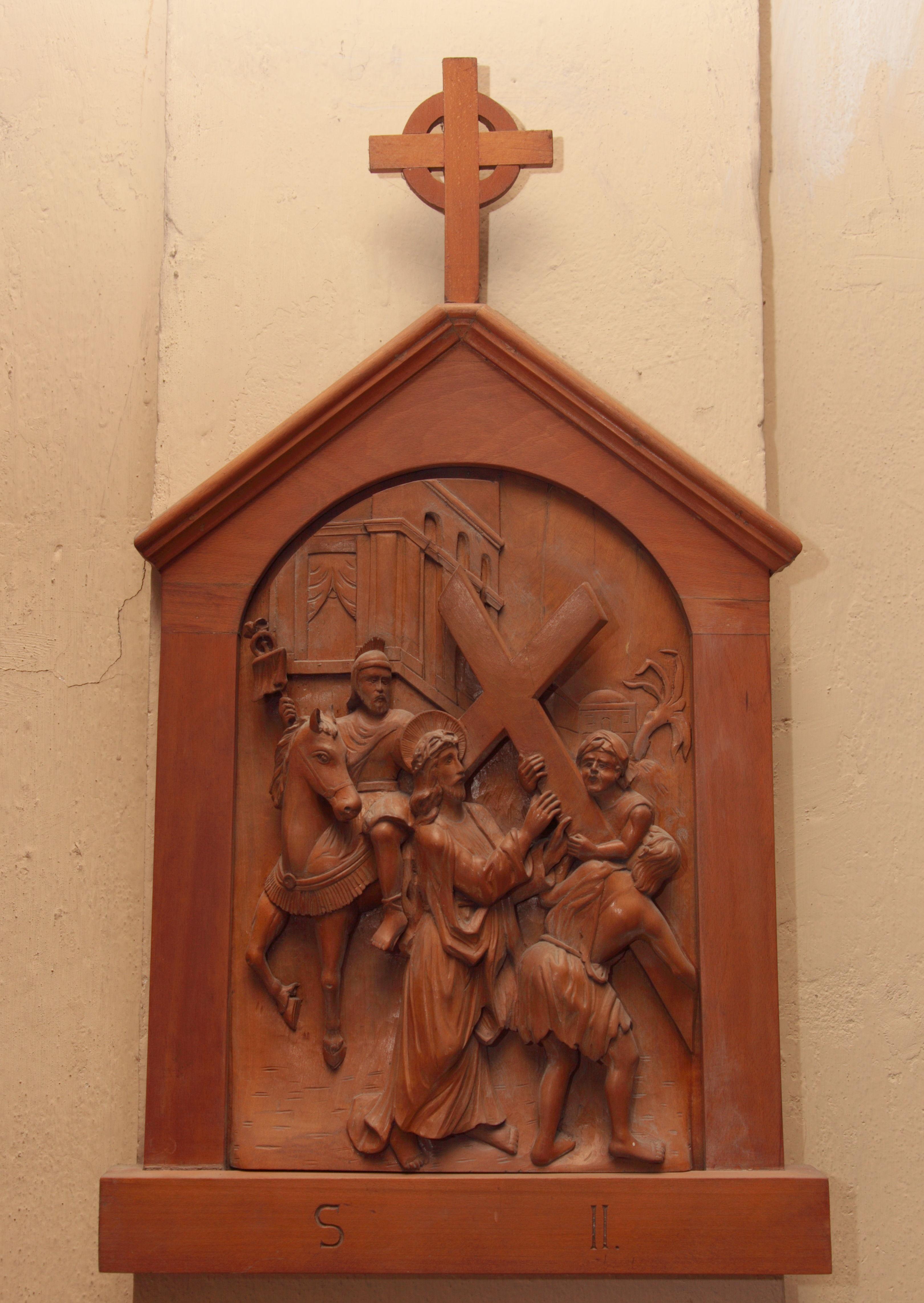 II^ Stazione: Gesù è caricato della croce