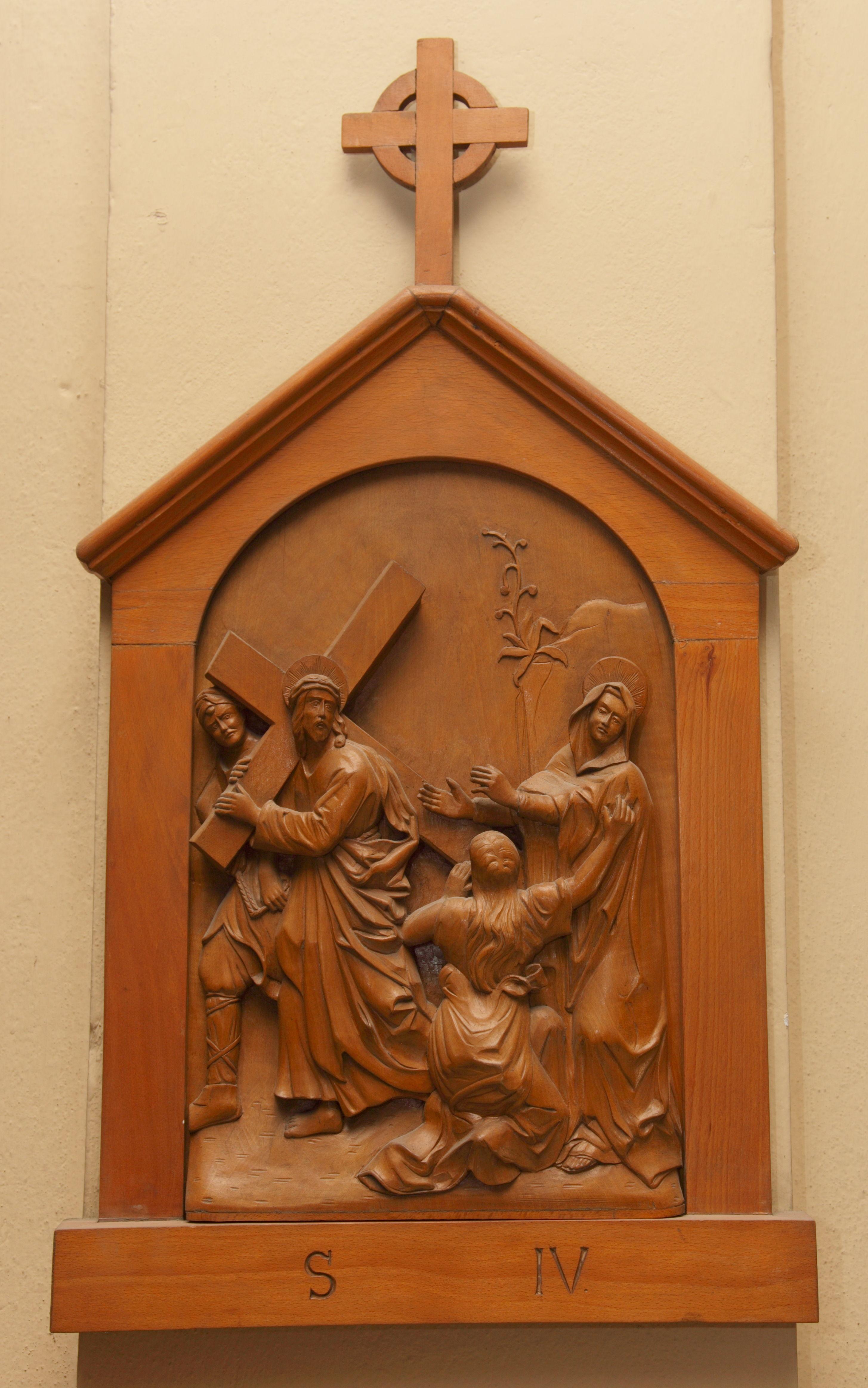 IV^ Stazione: Gesù incontra la Madre