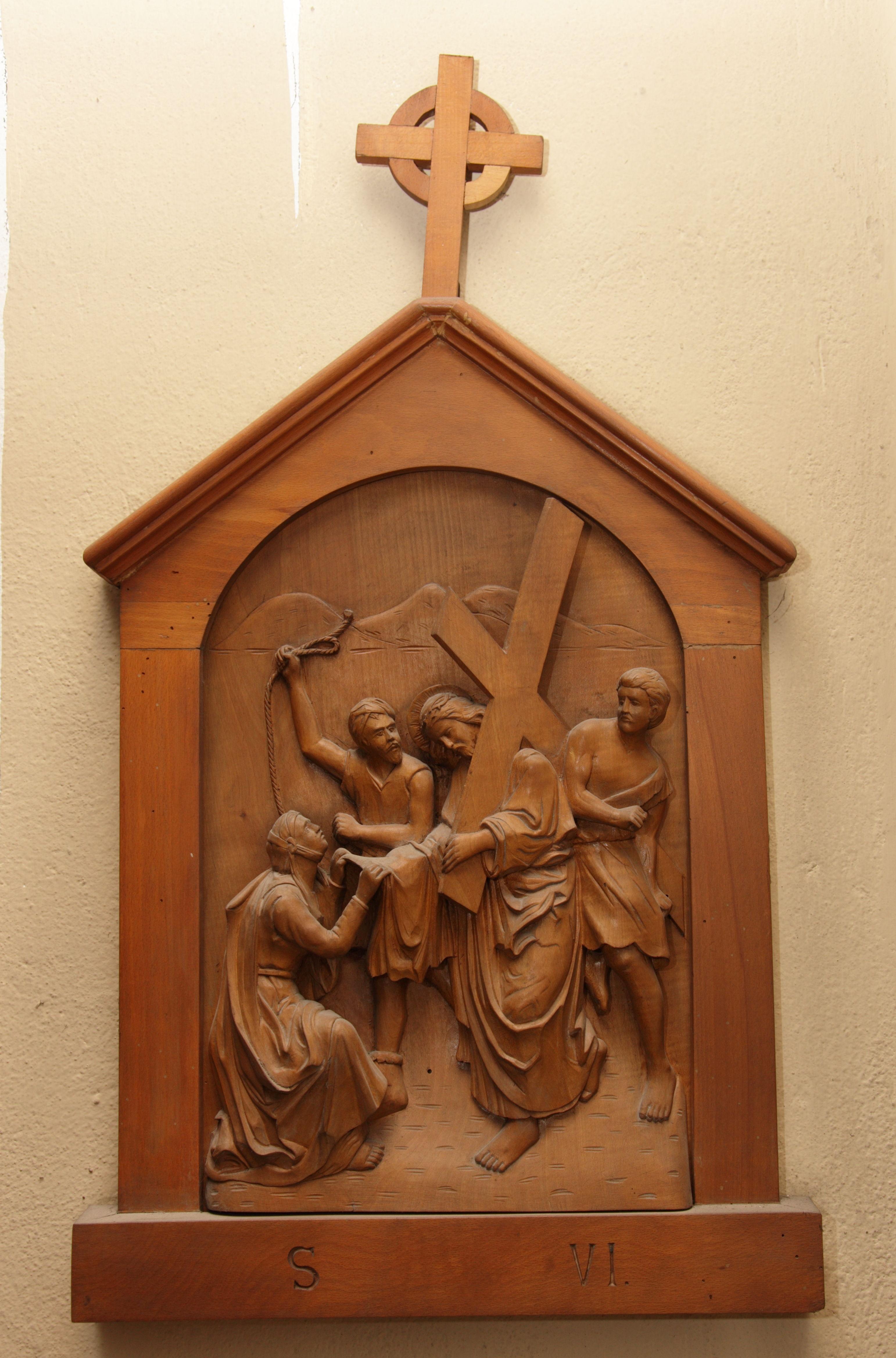VI^ Stazione: Veronica asciuga il volto di Gesù